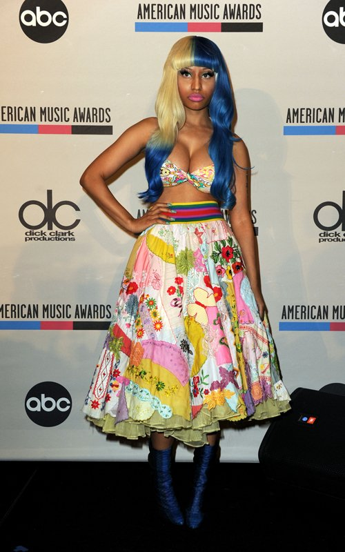 Nicki Minaj Is BRIGHT And COLORFUL At The American Music Awards Nominations