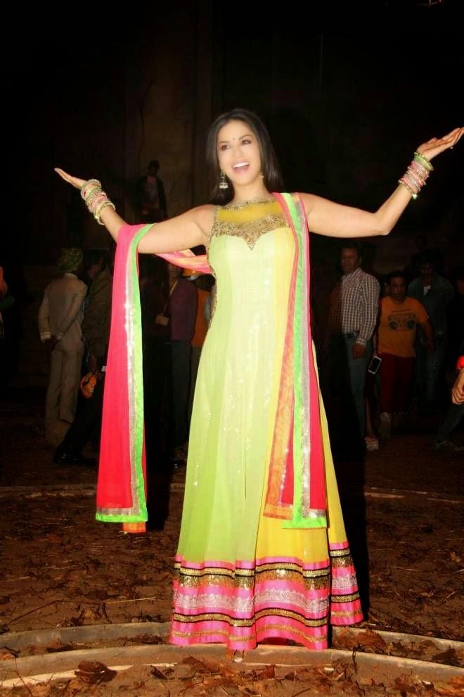 Sunny Leone Designer Salwar Kameez Photos