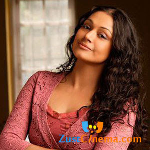 Shobhana roped in to trilogy film Thira