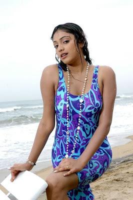 beloved and gorgeous Hari priya sexy wet pics in saree n swimsuit