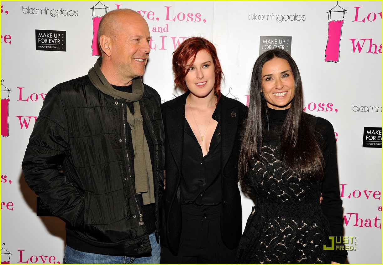 http://4.bp.blogspot.com/-HMpa6Sce2cU/UJ-7CvGHXTI/AAAAAAAAAX0/_rKhl37UhPg/s1600/rumer-willis-has-proud-parents-06.jpg