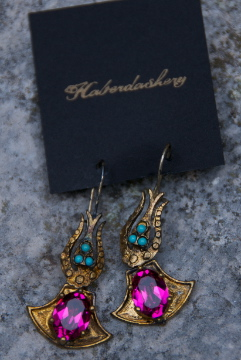 Gorgeous earring to match either necklace