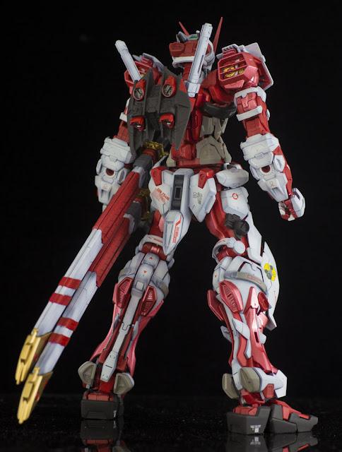 Gundam Astray Red Frame Master Grade Bandai