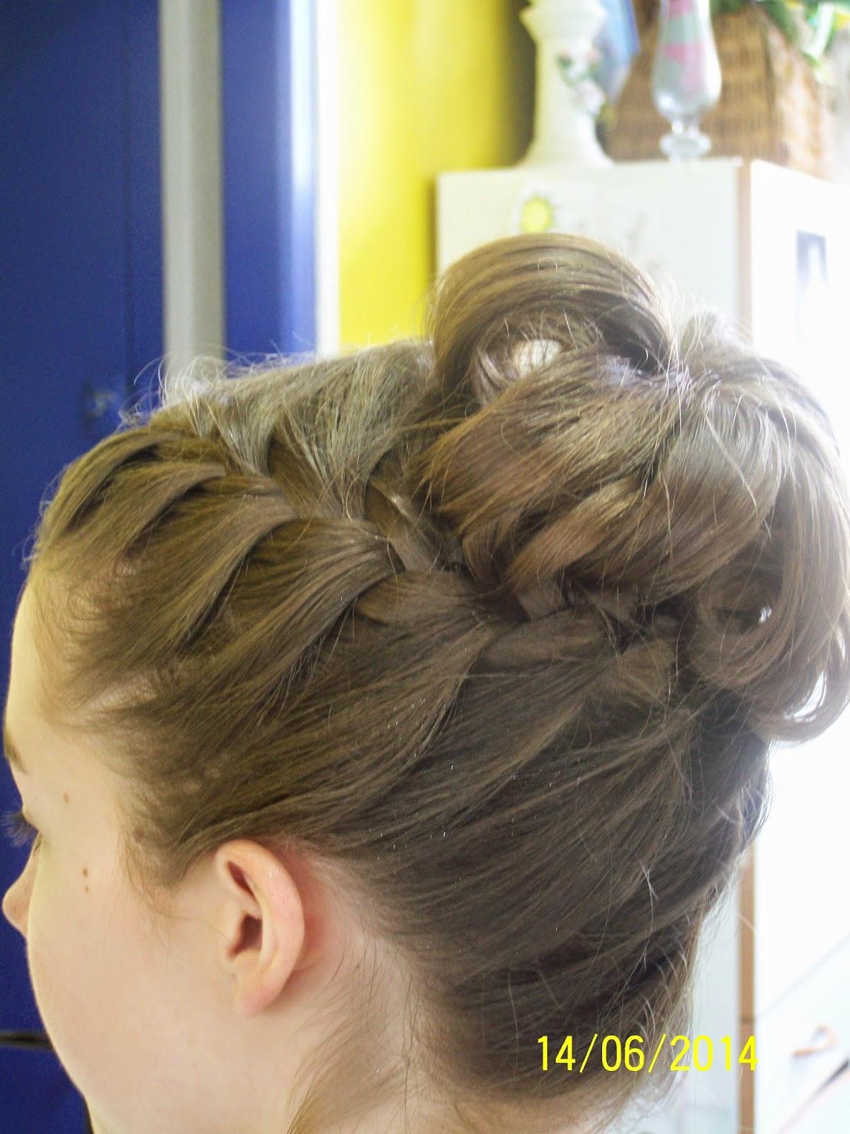 Benedicte coiffure mixte coiffure de c r monie sur for Salon de coiffure qui recherche apprenti