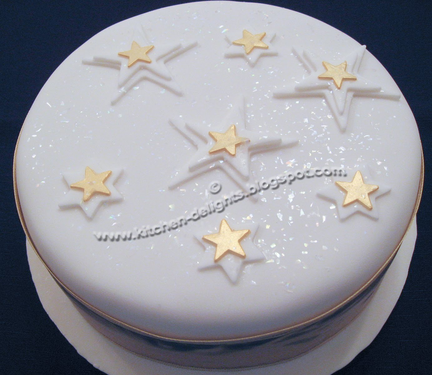 Kitchen Delights ICED CHRISTMAS CAKE