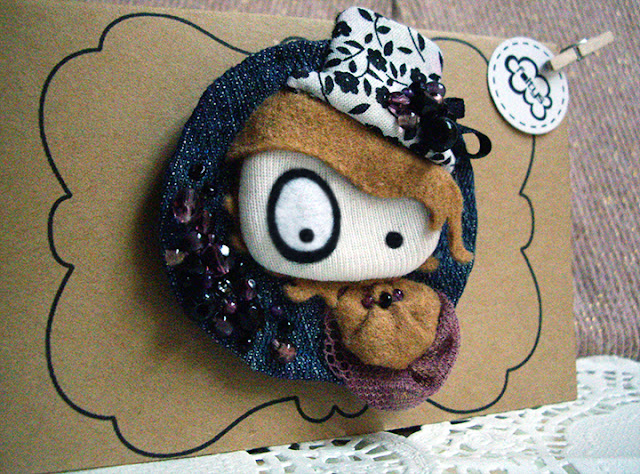 broche foltys vs the flower hat & packaging (100% handmade with ♥)