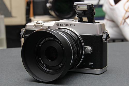 Fotografia dell'Olympus PEN E-P5 con il 17mm