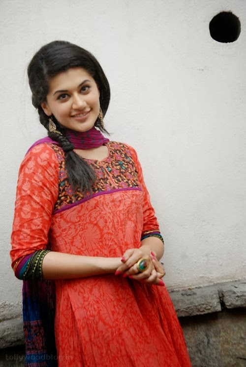 Gorgeous+Taapsee+Pannu+in+Traditional+Dress005