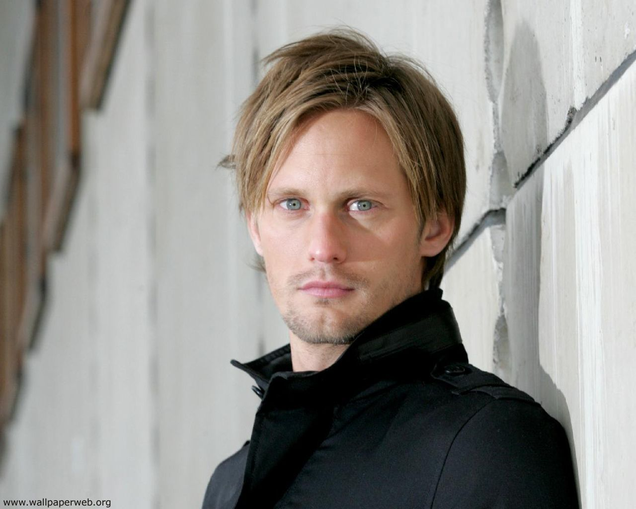 http://4.bp.blogspot.com/-HNXQZBtfftA/TcUOSwwWjaI/AAAAAAAAA6w/unZARbPaCG8/s1600/Alexander_Skarsgard_06.jpeg