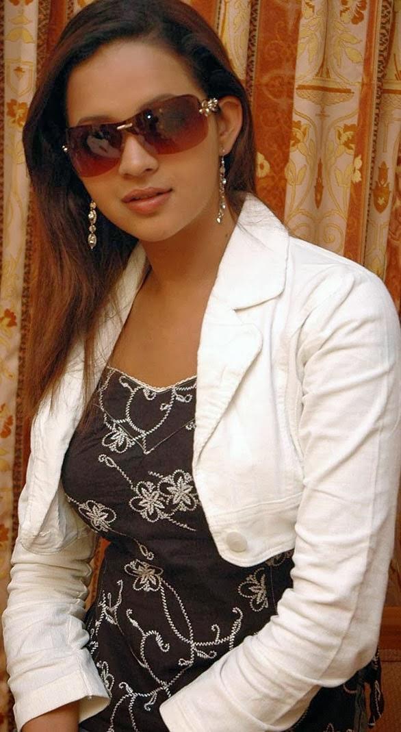 Malayalam+actress+bhavana+hot+spicy+stills+Photos001