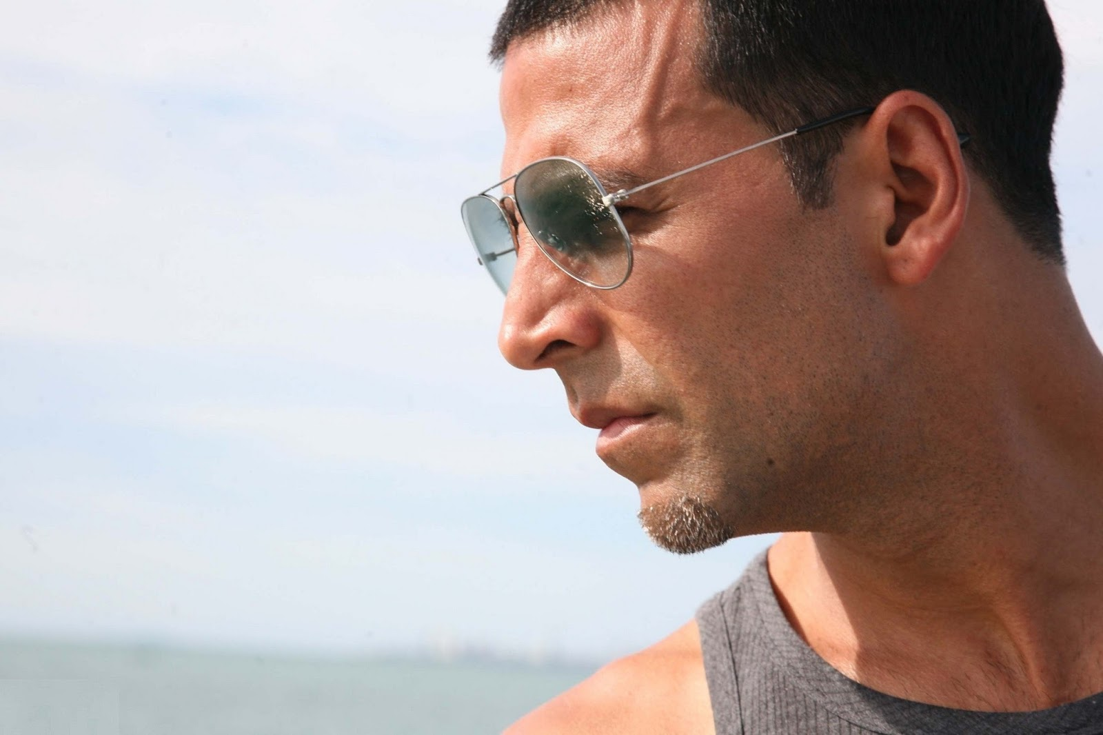 ray ban lowest price sunglasses  Akshay kumar\u0027s Ray Ban sunglasses as his style Buy here Rayban at ...