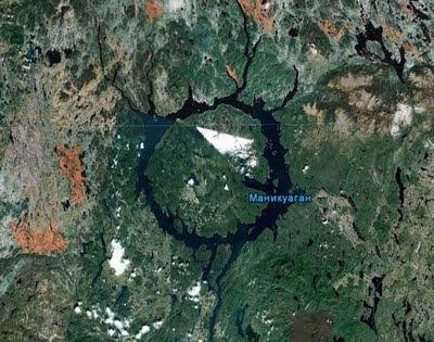 7 Bentuk Danau Terunik di Dunia