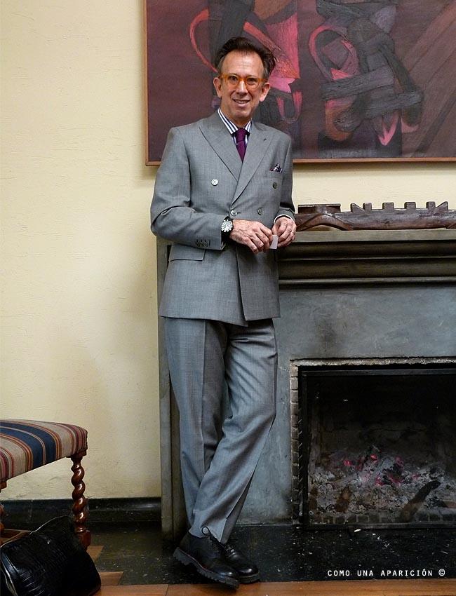 josé-ignacio-casas-frame-lenses-purple-tie-striped-shirt-gray-double-breasted-suit-black-brogues-shoes-watch-pocket-square-men-fashion-como-una-aparición-boots-&-bags-men-clutch-bag