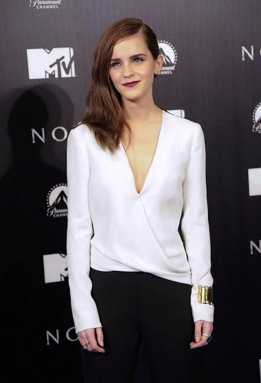 Emma Watson Hot HD Wallpapers