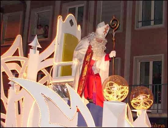 День св. Николая во Франции, Рождество во Франции, рождество в Париже, рождественские рынки, рождественские рынки во Франции, рождественский рынок Страсбурга, рождественские службы, Нотр дам де Пари, собор Парижской богоматери, празднование рождества во Франции, традиционное рождество во Франции, традици рождества Франция, путеводитель Франция, достопримечательности Франция, Франция зимой, что делать во Франции зимой, что делать в Париже зимой,