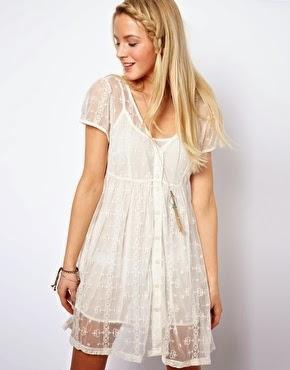 beyaz tüllü kısa elbise