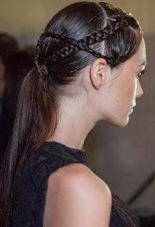 خطوات تسريحة الضفيرة الأكثر تميّزاً hair-makeup-2-27-09-2012.jpg
