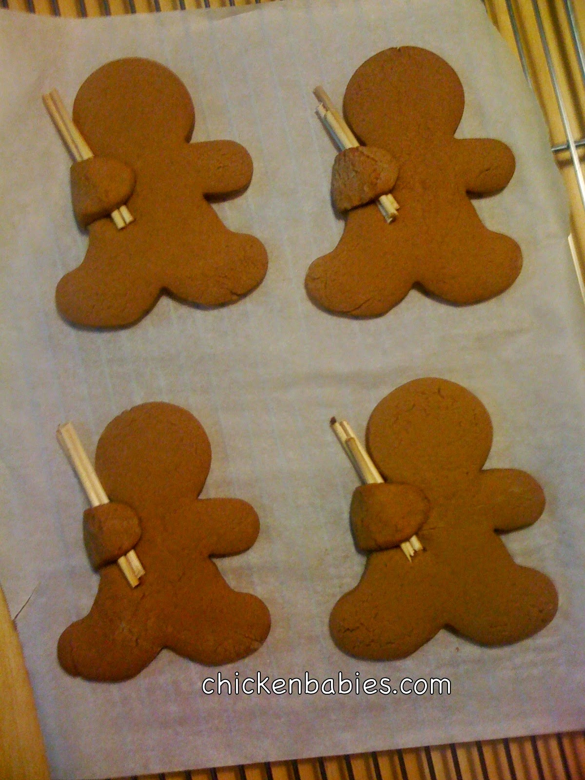 how to make gingerbread cookies that hold candy canes