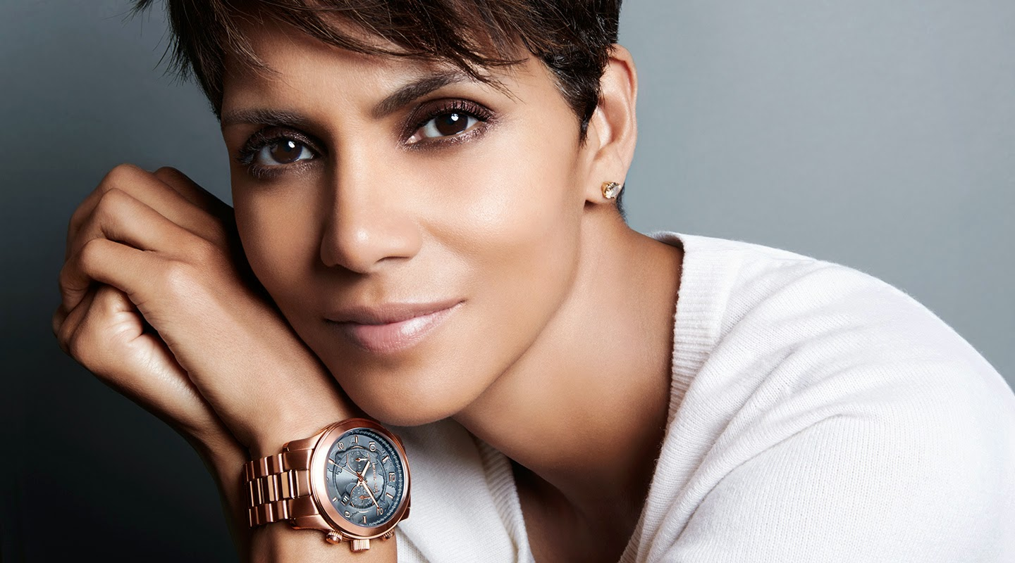 HALLE BERRY WORKS TO WATCH HUNGER STOP