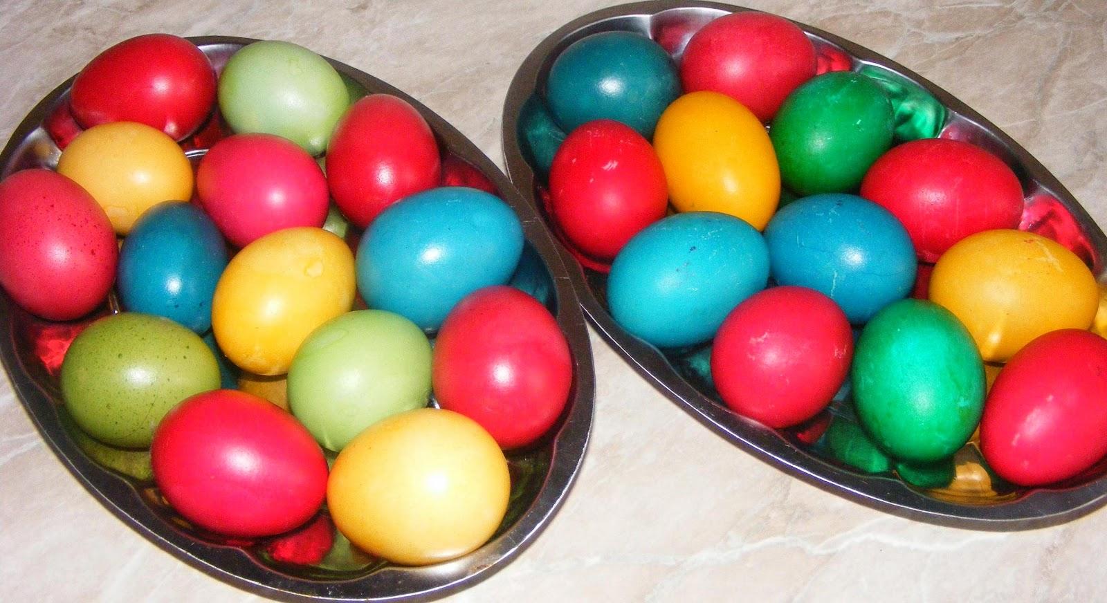 oua, oua vopsite, oua rosii, oua pentru pasti, oua pentru paste, paste, pasti, de paste, oua inrosite, retete de paste, retete de pasti, obiceiuri de paste, datini de paste, preparate de paste, oua de pasti, oua colorate, hristos a inviat, paste fericit, mancare de paste,