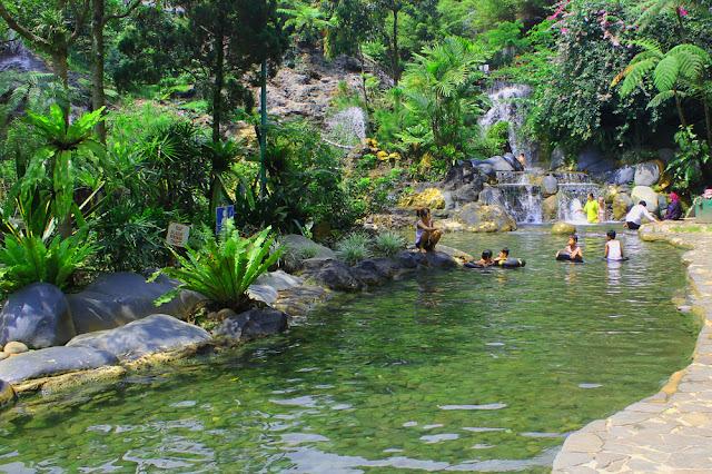 Objek wisata Air panas Ciater Subang Jawa Barat 3