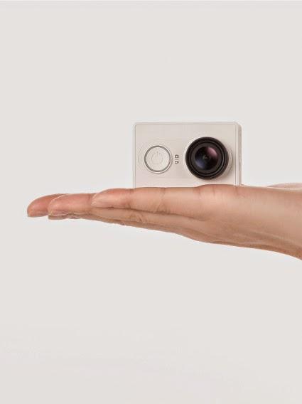 Xiaomi Yi Camera in Hand