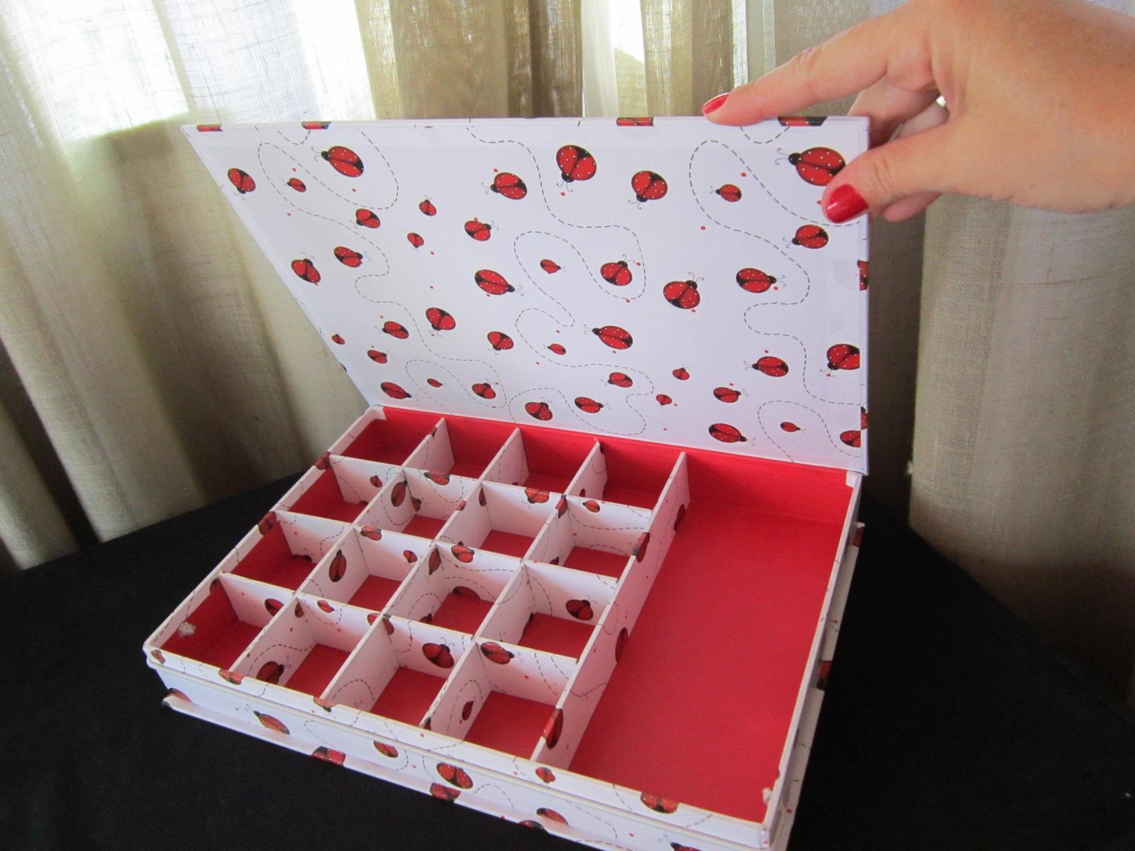 de tudo um pouco : Caixa Joaninha bijouteria de papelão com  #A8232E 1600x1200