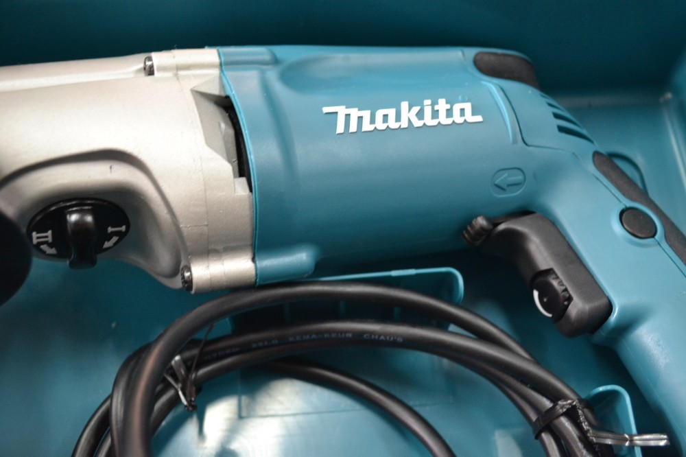 Makita HP2051F taladro