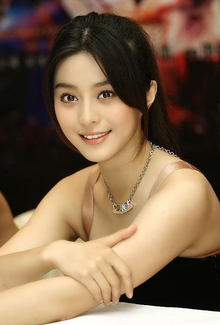 Miss Yomi Kim Hunter Hot Photos