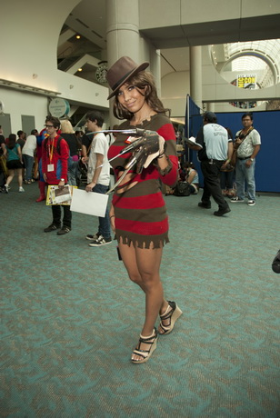 freddy-kruger-cosplay-female