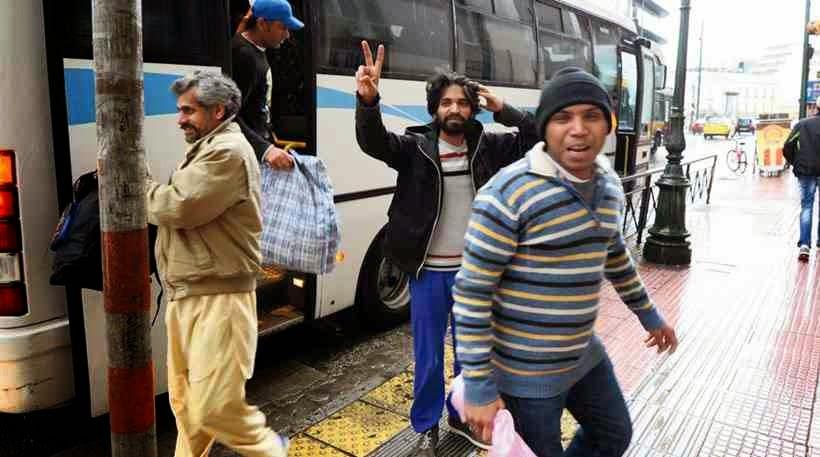 Αγαπητοί Συριζαίοι ΉΡΘΕ Η ΏΡΑ να δείξετε αλληλεγγύη! Πόσους λαθρομετανάστες θα πάρετε σπίτι σας από όσους οδήγησαν από την Αμυγδαλέζα στην Ομόνοια;