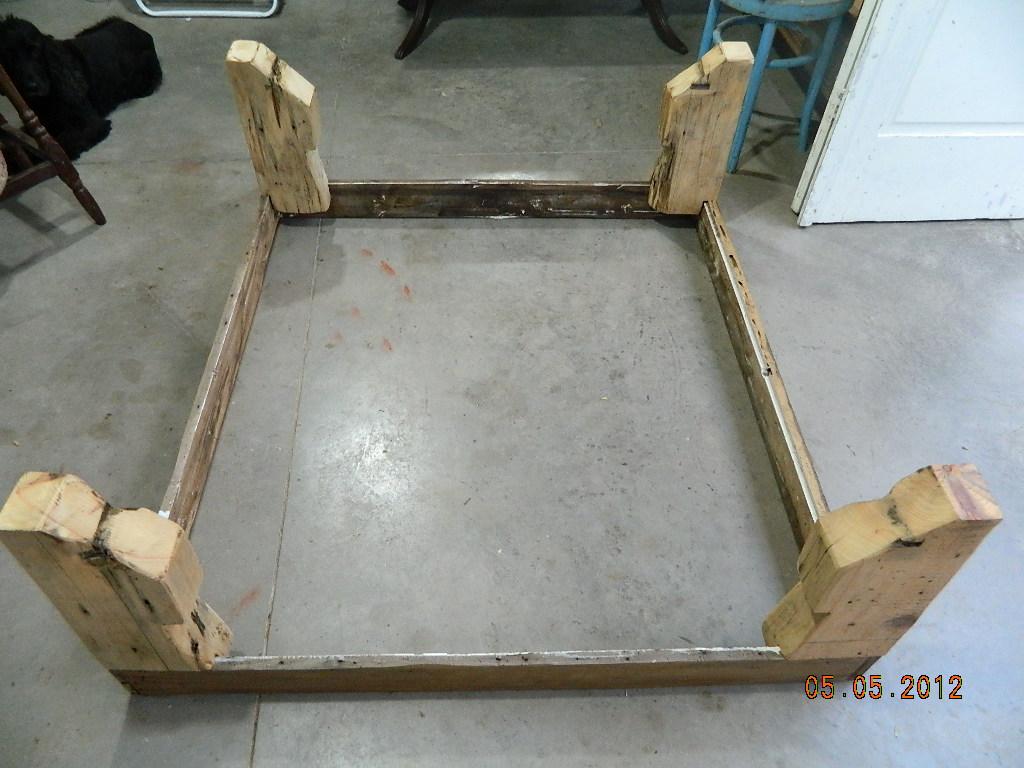 reciclando: Como fazer uma mesa de centro com madeira de demolição #604E35 1024x768