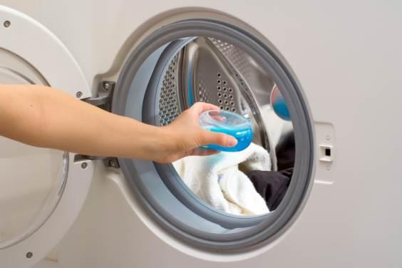 Fatto in casa detersivo liquido ecologico per lavatrice fatto in casa - Sapone liquido fatto in casa ...