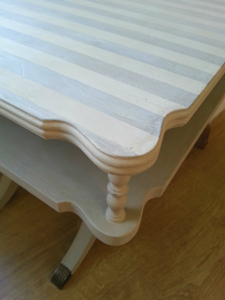 MESA A RAYAS CHALK PAINT