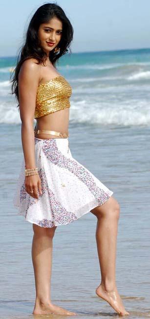ileana bhaledongalu movie stills pics1