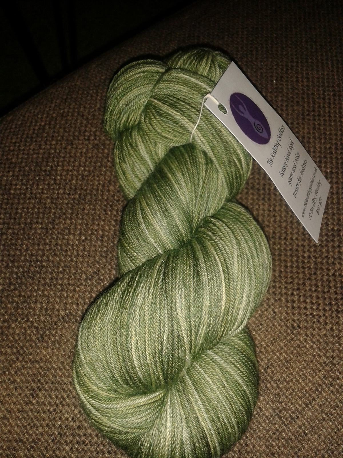 Jenny\'s blog on knitting: First FO of the year (plus more spoilers!)