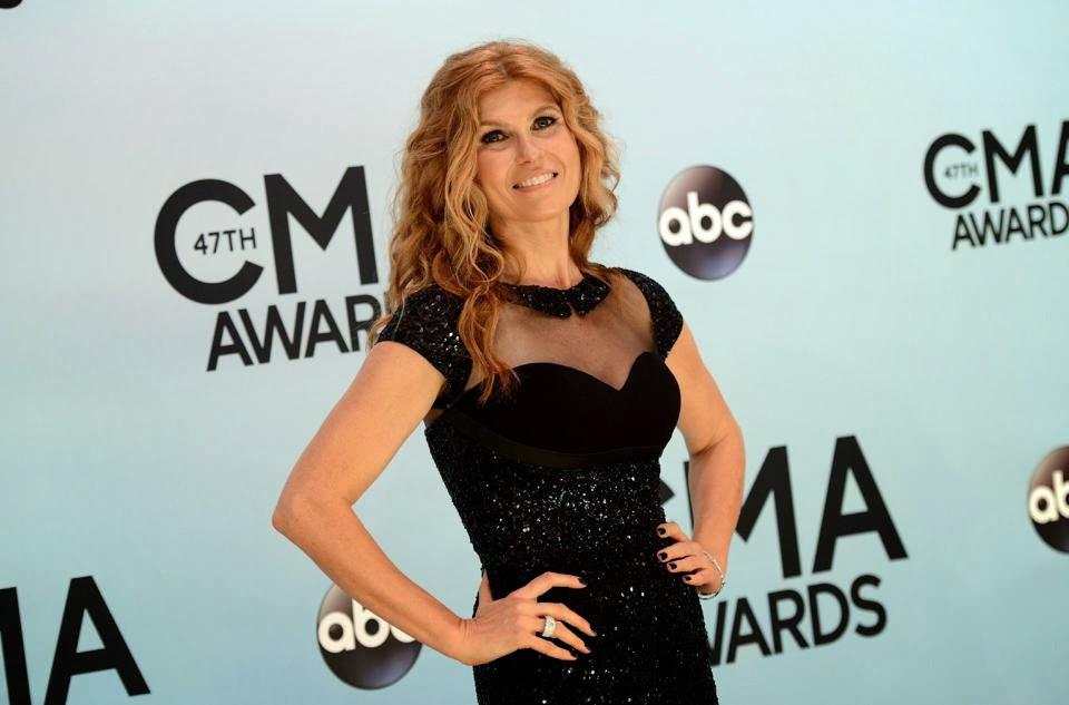 Connie Britton en los Country Music Awards