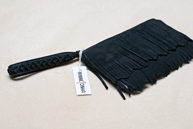 Minnetonka fringe clutch black