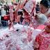 Khu du lịch Trung Quốc ném tiền cho khách để tri ân