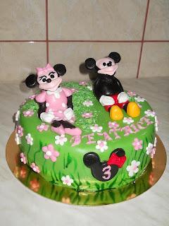 Tort Mickey si Minnie la iarba verde