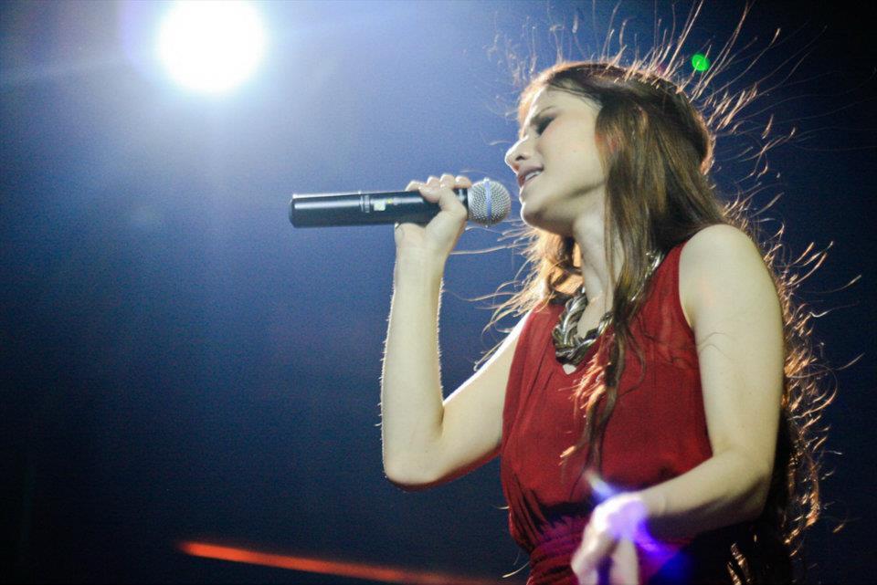 Foto Millane Fernandez Live Concert  Crown