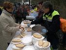 Recollint el pa amb botifarra