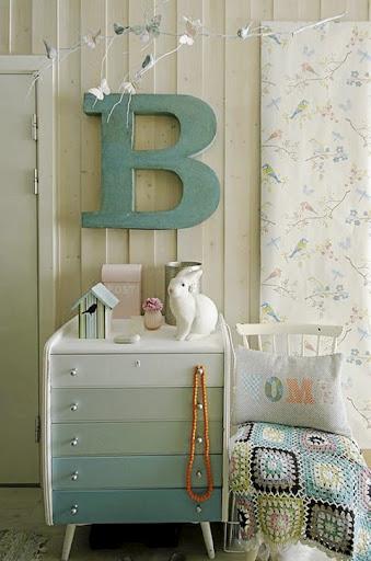 Ombre Dresser 339 x 512