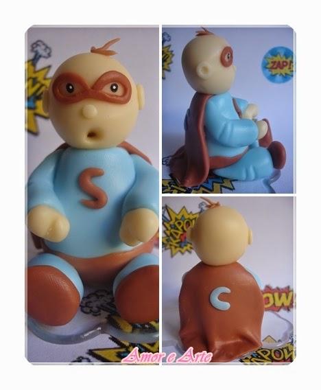 Topo de bolo em biscuit - super herói