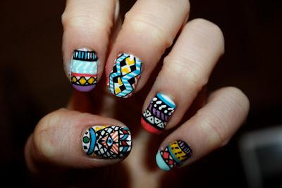 http://4.bp.blogspot.com/-HSCgsz-IVtM/TiTzV2bnJaI/AAAAAAAAAnk/-aKcL2fq6Ss/s640/Tribal+nails.jpg