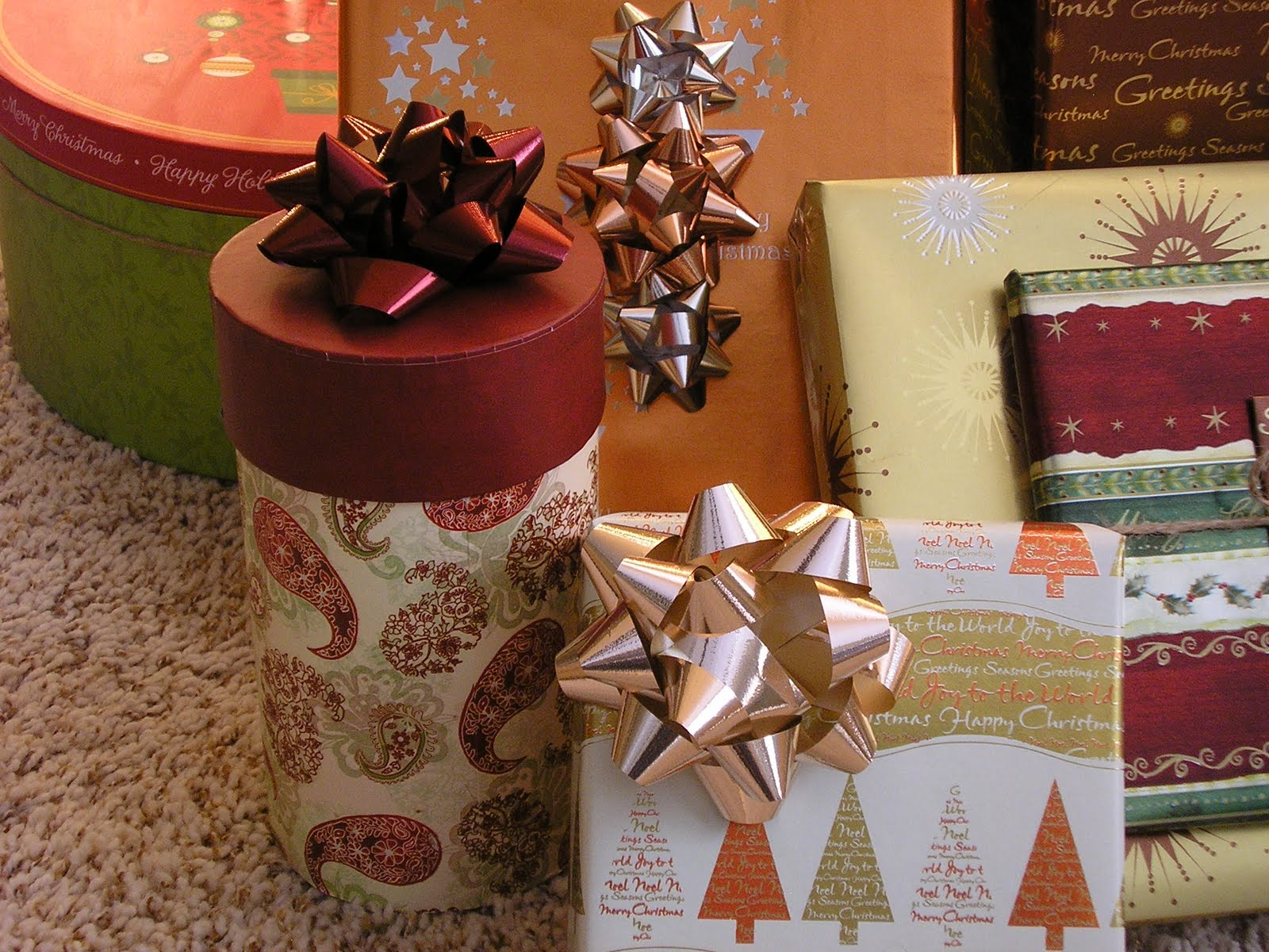holiday gift exchange party ideas. or not. | the intentional momma