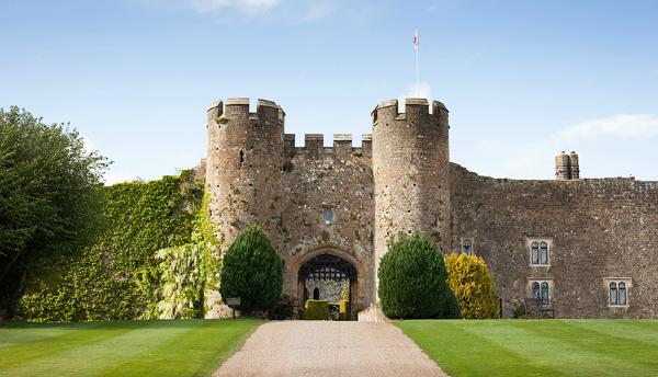 Amberley castle, hello peagreen