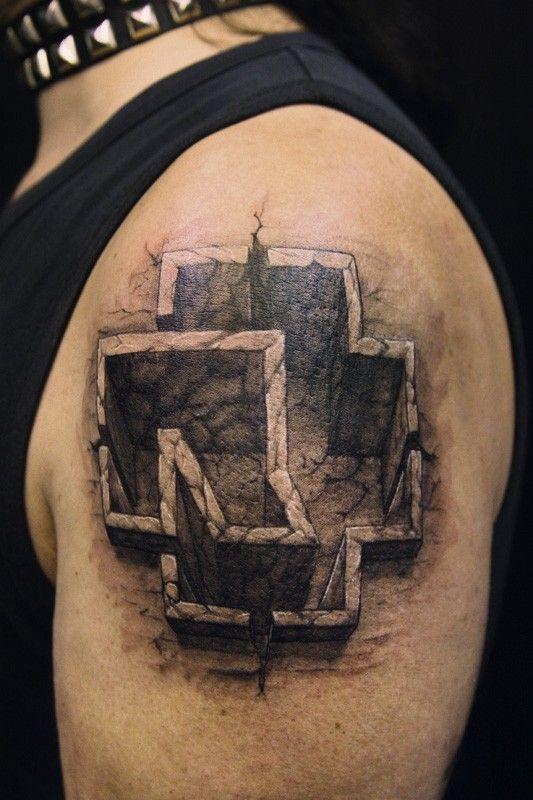 Татуировки со знаком рамштайн и флагом германии