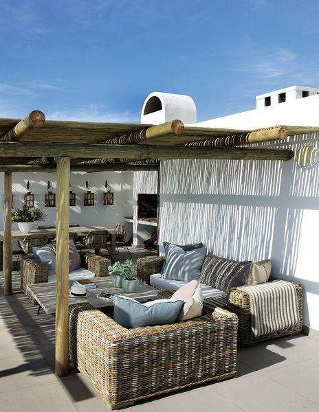 Nemm design lifestyle a modern mediterranean beach house for Mediterranean style beach house