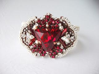 Swarovski ehted kristallid punane käevõru Eesti disain käsitöö